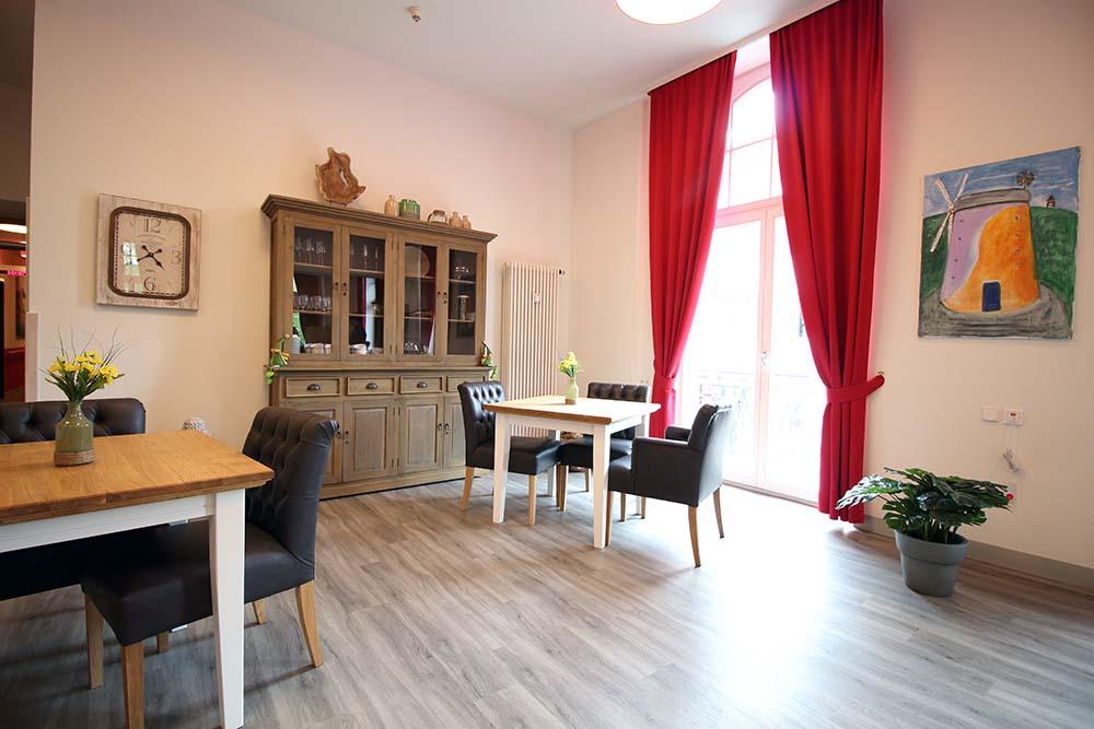 wohngemeinschaft in bad cannstatt stuttgart intensivpflege. Black Bedroom Furniture Sets. Home Design Ideas